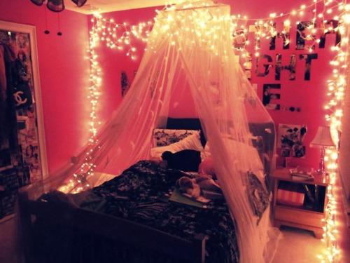 christmas-lights-bedroom