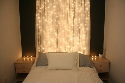 holiday-lights-in-a-bedroom-4