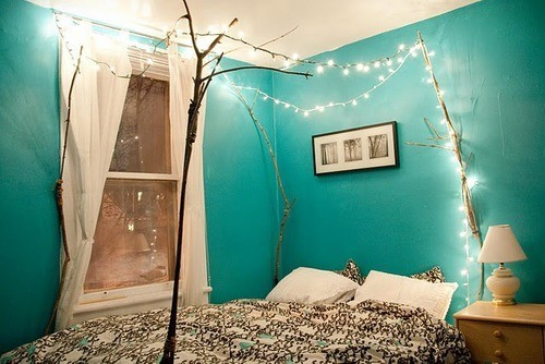 holiday-lights-in-a-bedroom-6